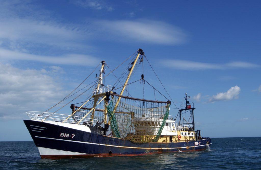 la pêche électrique , bateau