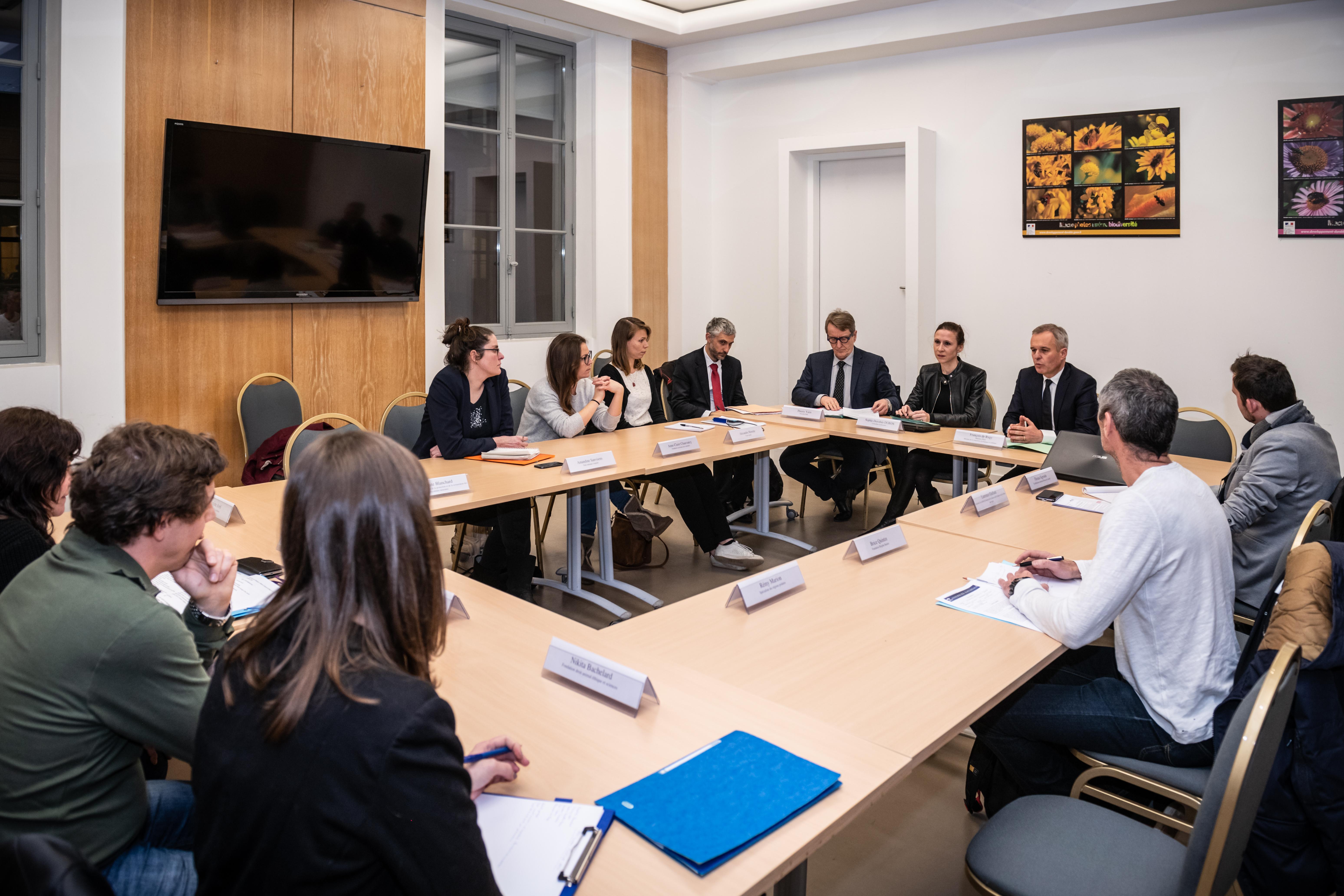 réunion de 9 ONG avec le ministre De Rugy pour discuter du sort des cétacés captifs